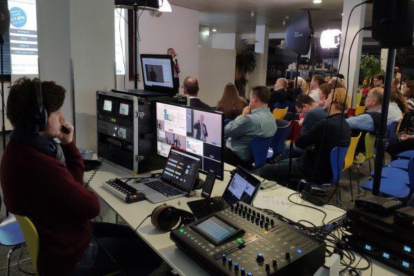 livestreaming-anwendungen-virtuelle-meetings